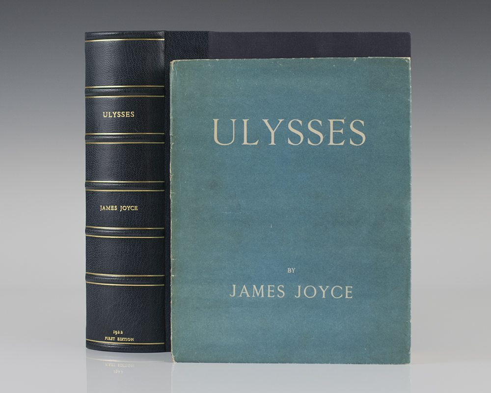 an analysis of james joyces ulysses James joyce's ulysses, published in 1922, remains one of the most challenging and rewarding works of english literaturenot only does it narrow its temporal focus to a single day, it also widens its scope to follow three major characters—stephen dedalus, leopold bloom, and molly bloom—and even the city of dublin itself.