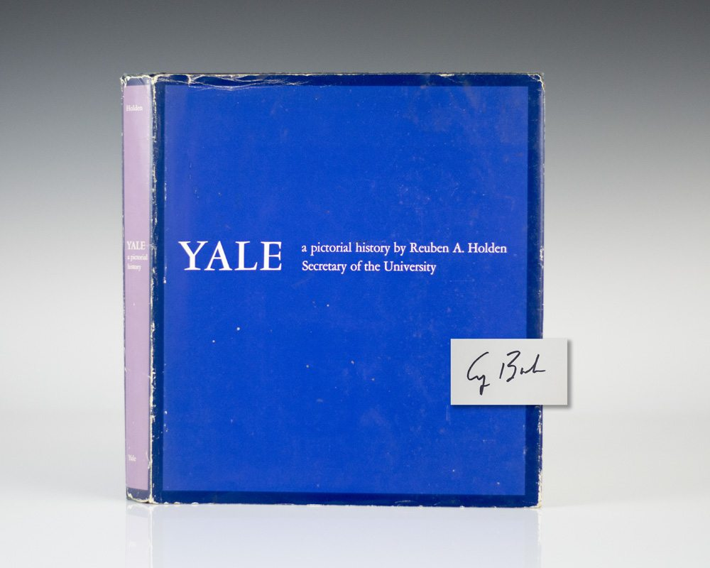 Yale: A Pictorial History.