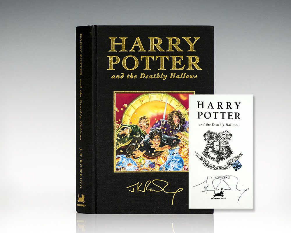 Harry Potter Series Complete Deluxe Set. Harry Potter and the Philosopher's Stone, Chamber of Secrets, Prisoner of Azkaban, Goblet of Fire, Order of the Phoenix, The Half-Blood Prince, and The Deathly Hallows.