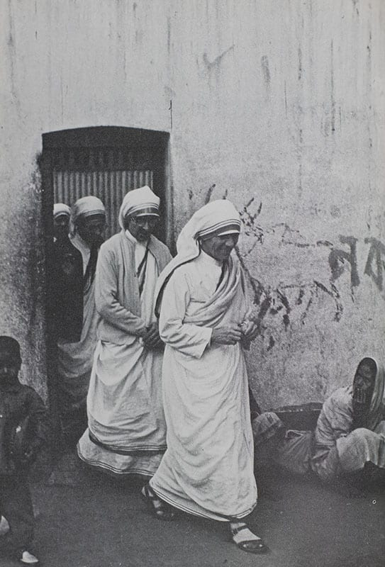 Something Beautiful for God: Mother Teresa of Calcutta.