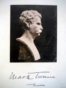 Mark Twain bust without cloth visible